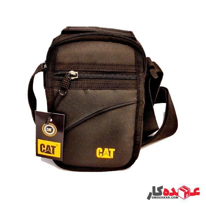 کیف دوشی CAT مدل 1303 دارای ایرسل و ضربه گیر موبایل و تبلت سایز 25*23